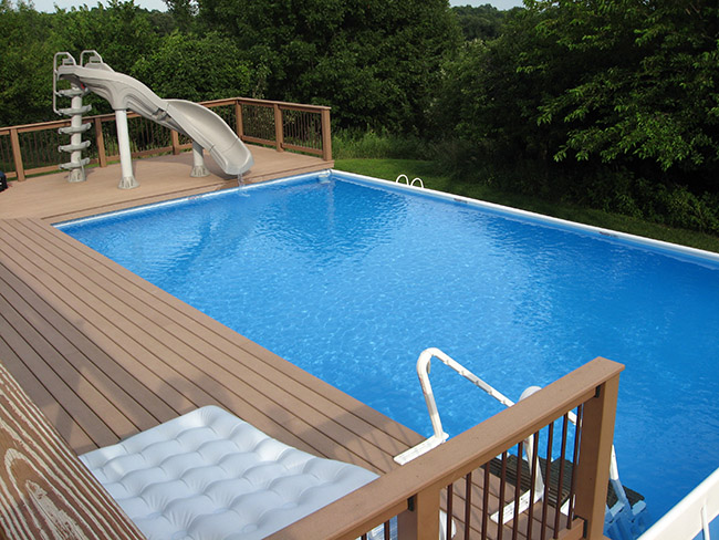 Decks carroll pools for Construire deck piscine