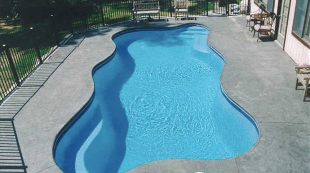 Advantages of Fiberglass Pools: Get Ready For Fun in the Sun!
